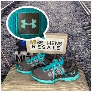 WOMENS UNDER ARMOUR TURQUOISE DARK GRAY SNEAKERS